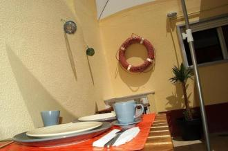 Peniche Beach House - Hostel